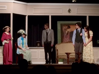 """The Importance of Being Earnest"" Wows Audiences"