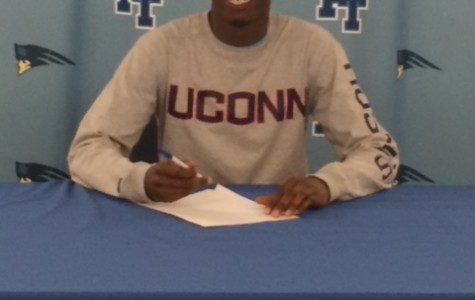 Nas Heads to UCONN