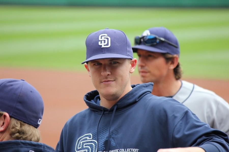 Brad+Brach+during+his+MLB+debut+
