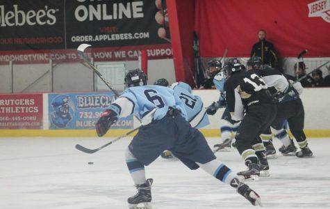 Ice Hockey Season Starts with a Tie