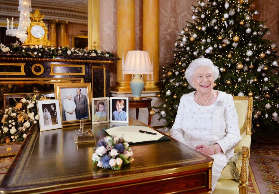The Queens Christmas Message 2019 Mixed Messages: Queen Elizabeth's Controversial 2018 Christmas