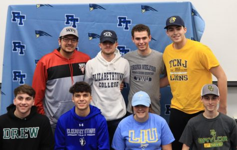 Eight FTHS Athletes Sign to Play in College