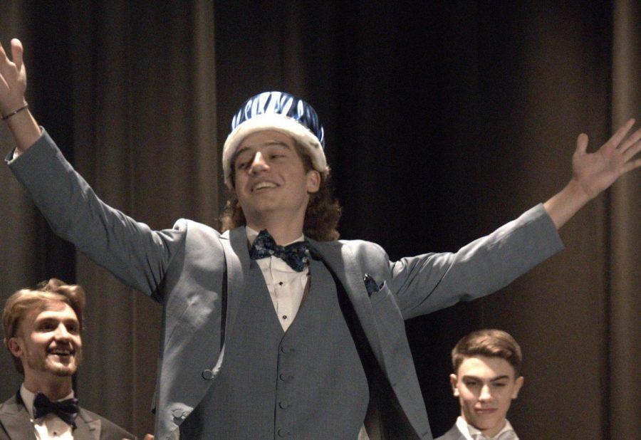 Matthew Madonna Wins Mr. FTHS 2020