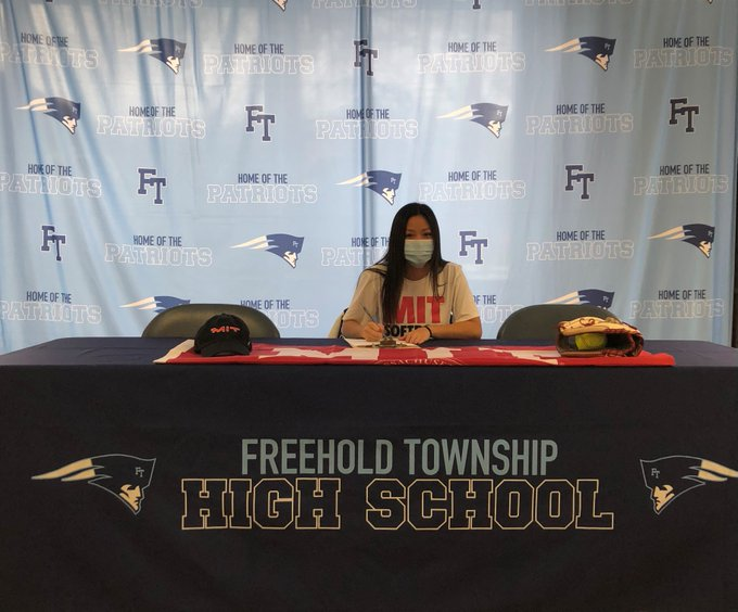 Kristen Lee - Softball - Massachusetts Institute of Technology